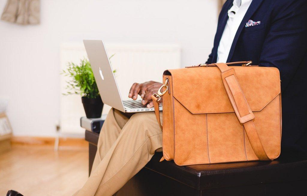 homme d'affaire, portable, sac