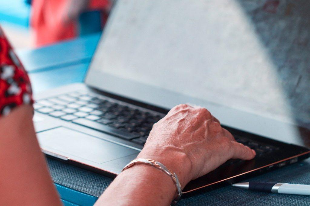 portable, ordinateur, travailler